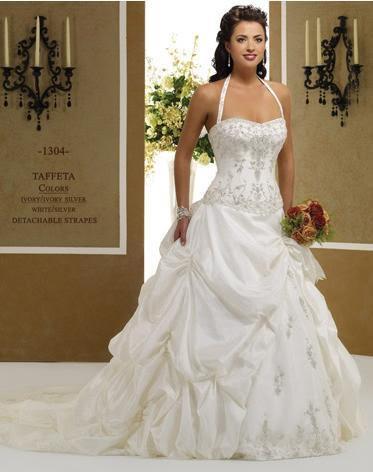 6b10c94a43e45 modello princess wedding 504 in taffeta  con ricchi ricami disponibile in  avorio
