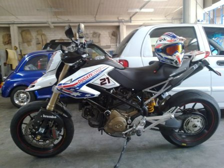 Ducati Hypermotard Troy Replica