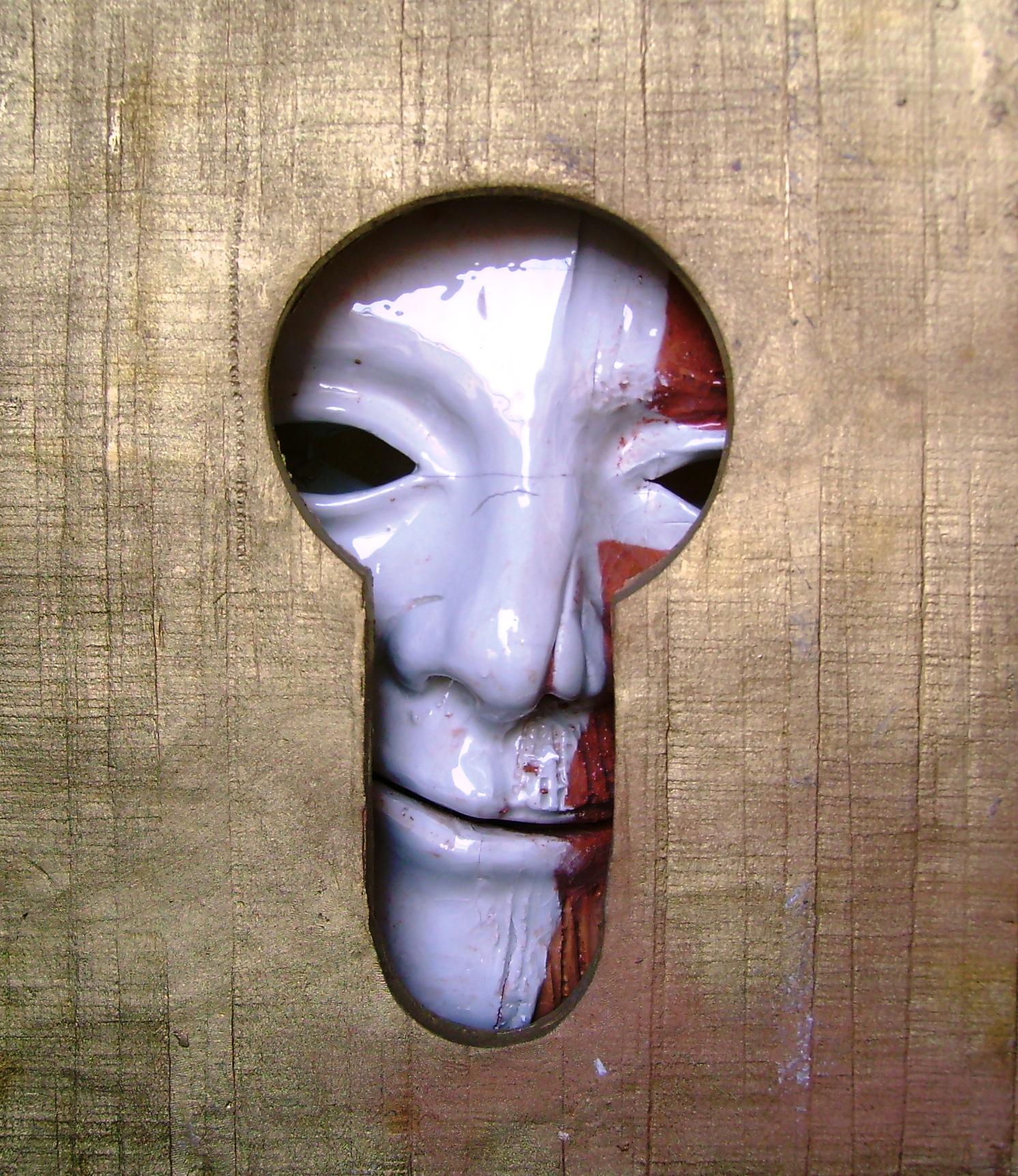 Maschere che spiano-