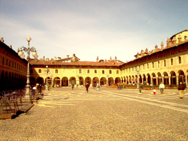 Piazza Ducale 1
