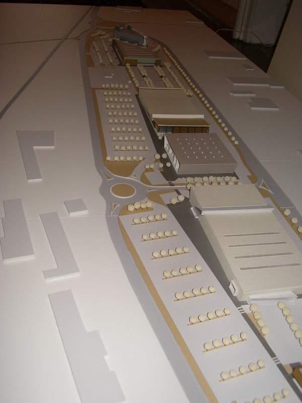 modello al 1000 di 2,5 metri con illuminazione interna degli edifici