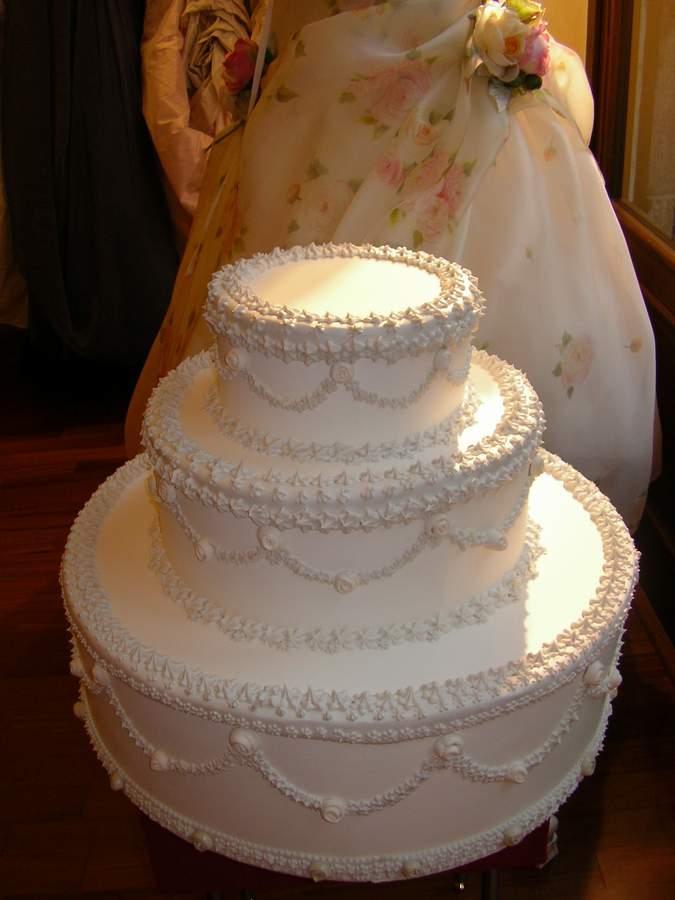 torta matrimoniale finta a 3 piani