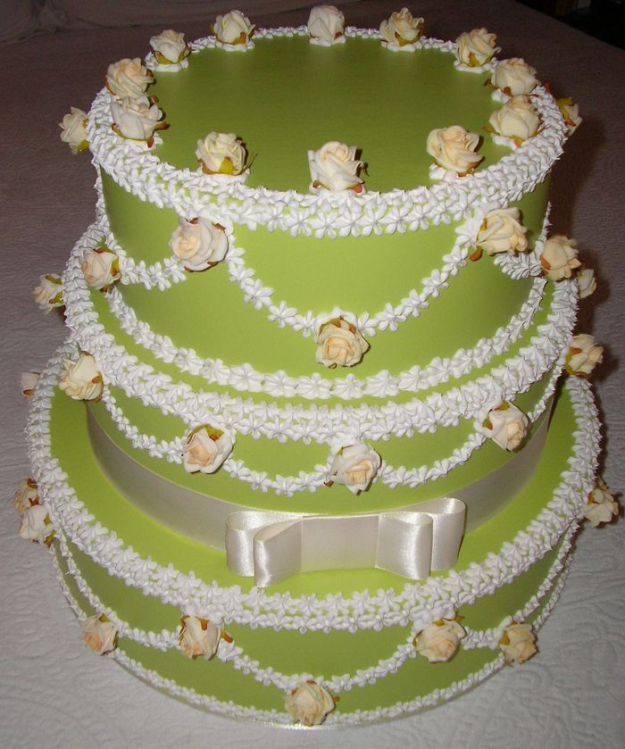 torta verde con roselline