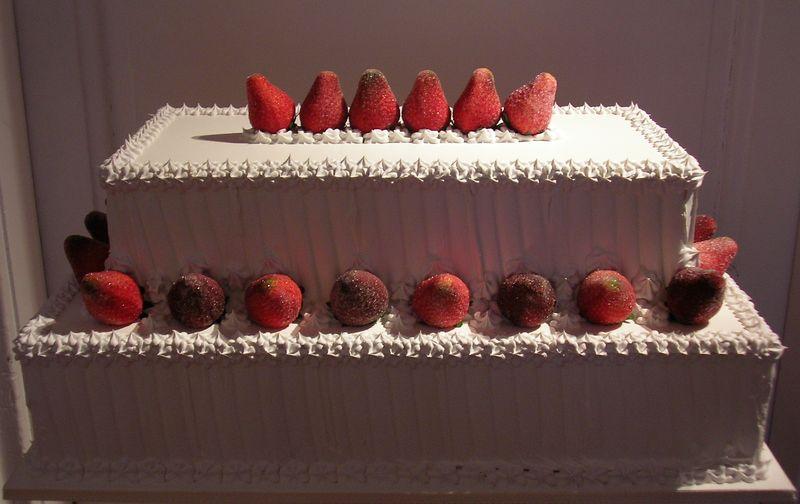 meringata con fragole a due piani